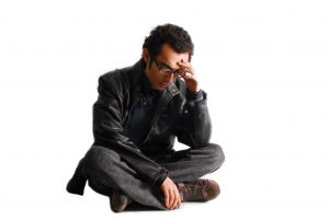 image of worried man for can hypnotherapy help anxiety
